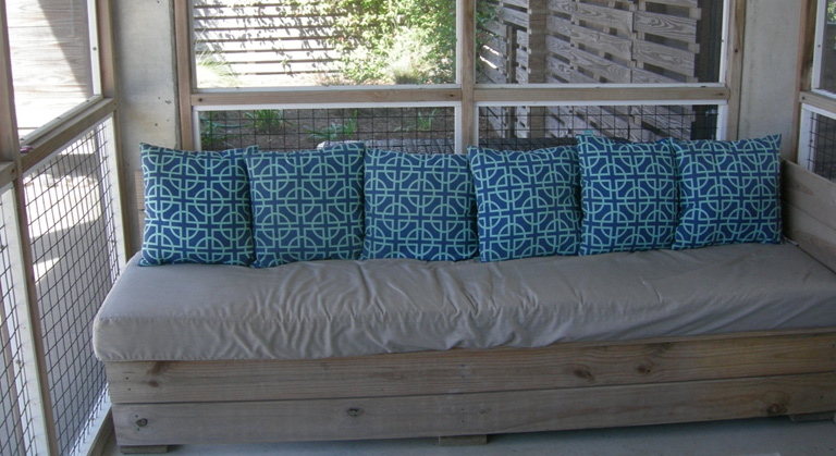 Bow Wow Bungalow Screened Porch Seating